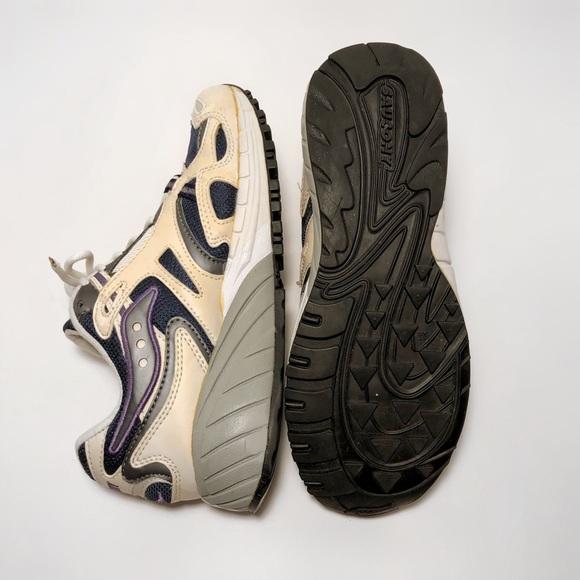 Saucony Shoes Saucony Retro Vintage Running Sneakers Women 65 Poshmark